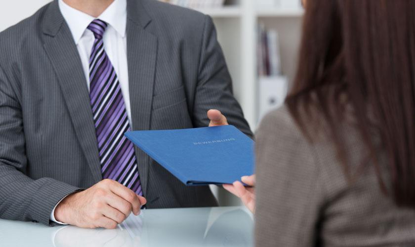 Es recomendable escribir el currículum en primera o en tercera ...